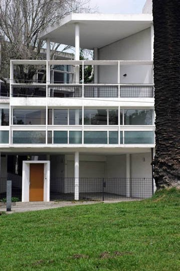 Famous Modern Architecture House For Neutras Elegant Glass And Woodpaneledceiling Schaarman Residence In The Hollywood Hills Is Star Of Midcentury Modern Houses Features Famous Architects Homes