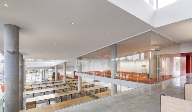 ... Throughout The Building To Unite Spaces Of Creation And Critique,  Enhancing The Peripheral Vision Between Students And Faculty And  Encouraging Dialogue ...