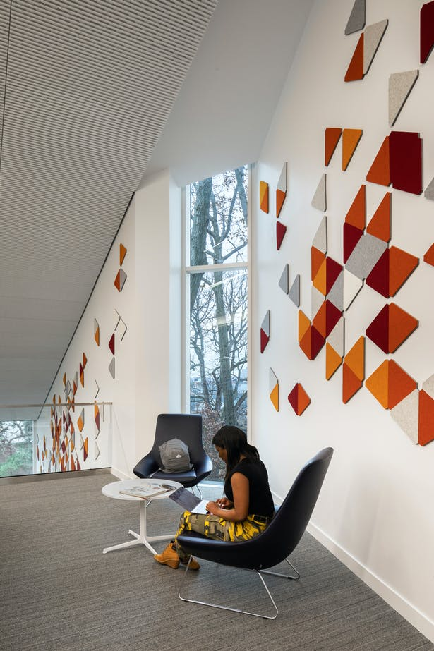 ARO Block, a product in the ARO Collection for Filzfelt, is used as decorative wall treatment, which also enhances the acoustics of the space. © James Ewing