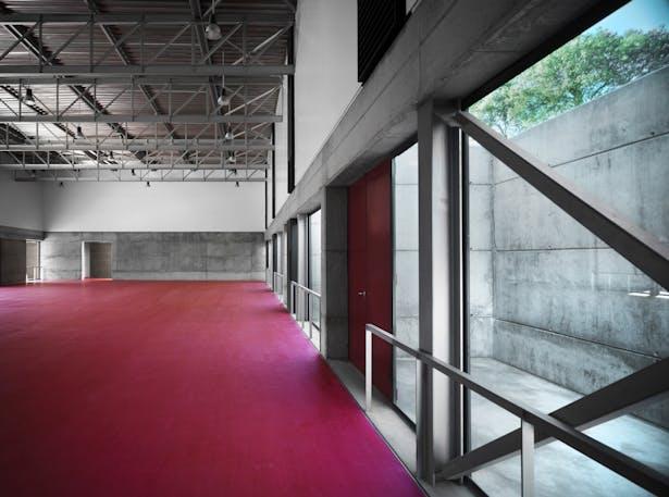 Indoor sports track