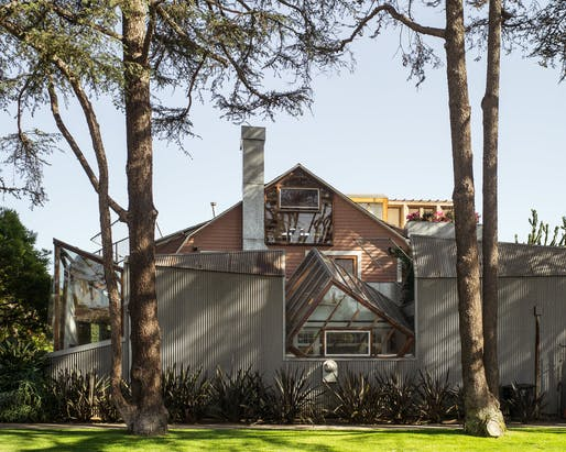 Photo of Frank Gehry's house in Santa Monica. Image courtesy of Flickr user Paolo Gamba.