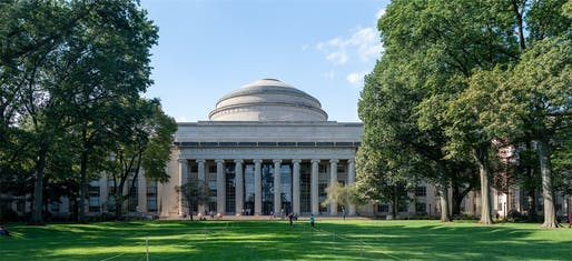 MIT Building 10. Photo: Wikimedia Commons user Mys 721tx.