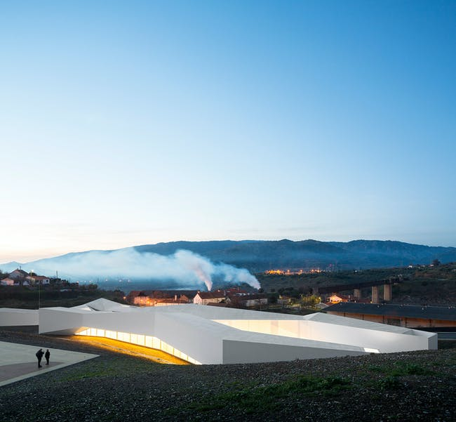 High Performance Rowing Center in VILA NOVA DE FOZ CÔA, Portugal by spacialAR-TE + ÁLVARO FERNANDES ANDRADE. Photo: Fernando Guerra, Sergio Guerra.