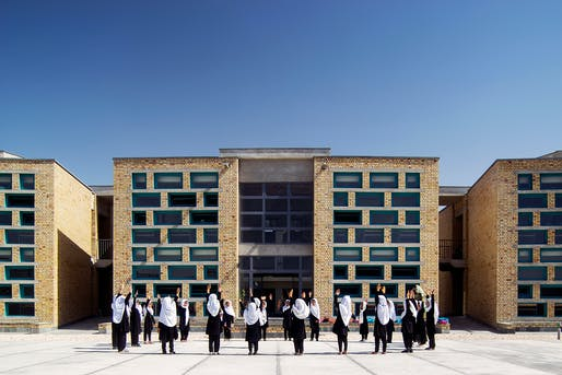 Gohar Khatoon Girls' School; Mazar-i-Sharif, Afghanistan by Robert Hull, FAIA, and the University of Washington, Department of Architecture. Photo: Nic Lehoux.