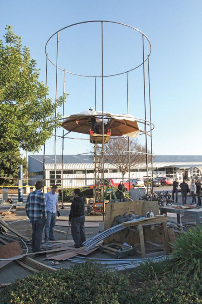 Architecture students construct, with funding from NASA, a vertical habitat facility. (Photo: Derek Eng/The Poly Post)