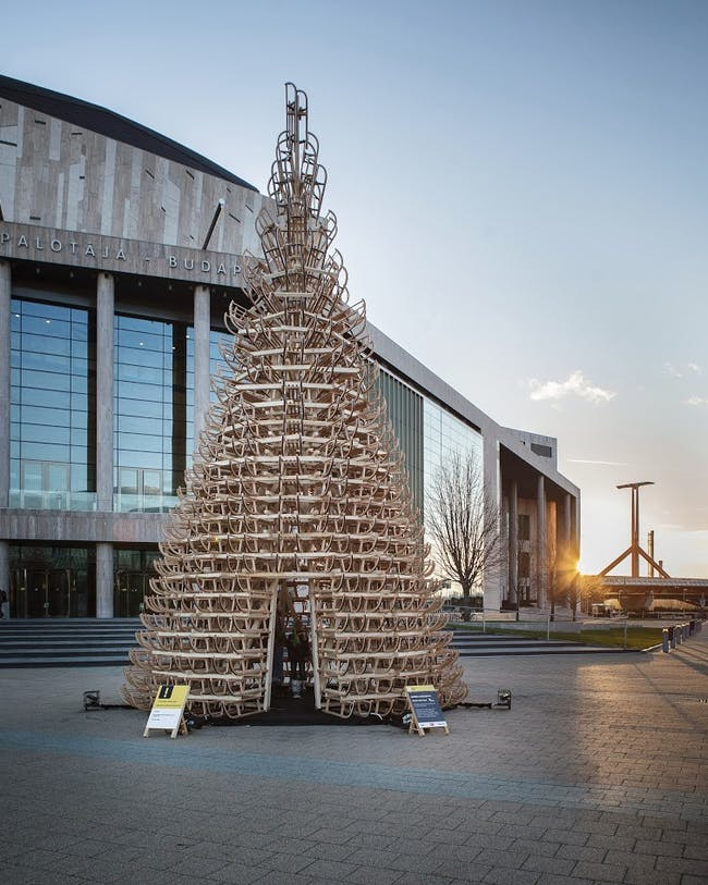 Hello Wood's Christmas tree installation at the Palace of Arts in Budapest. Photo: Daniel Domolky