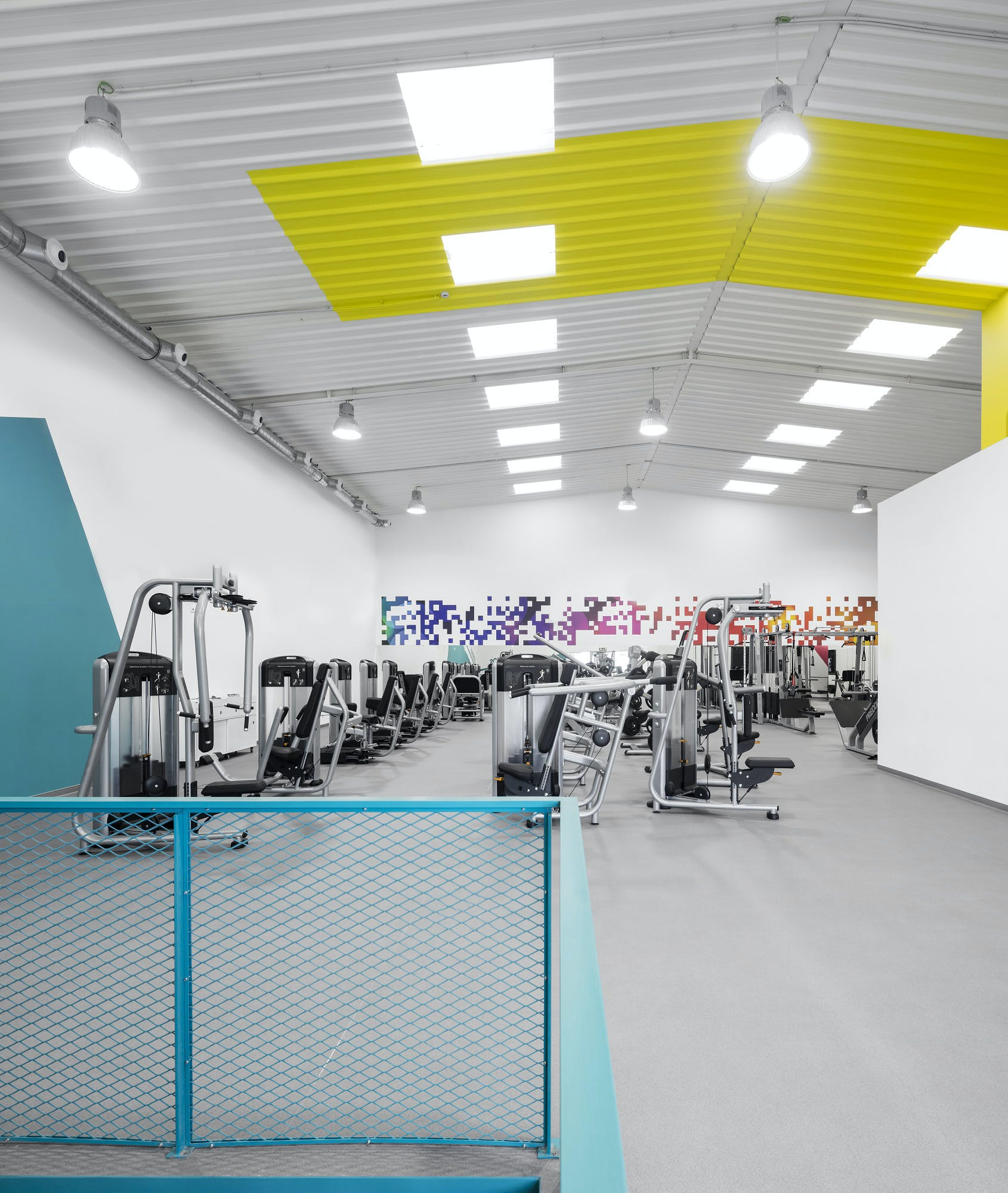 Pump Gym In Almada Lisbon Noz Arquitectura Archinect