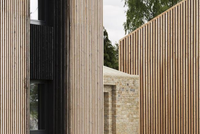 Long House in Cirencester, UK by Bureau de Change