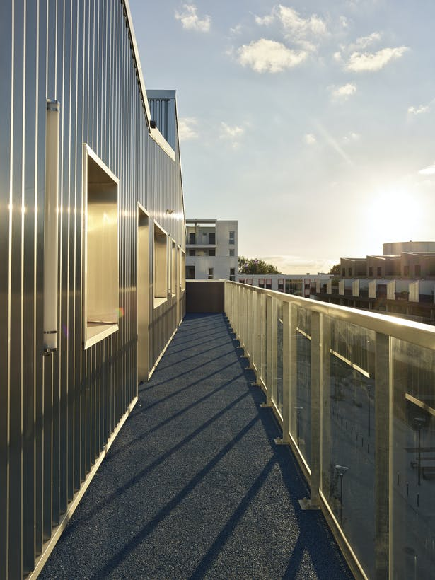 outdoor access for villas on the roof / photo : S. Chalmeau
