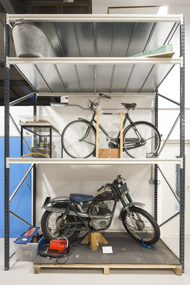 Items include vintage bicycles and motorcycles