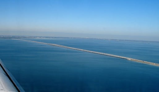 Howard Frankland Bridge via flickr user miscelena.