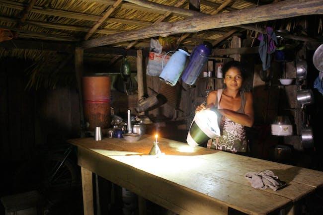 KVA Matx Luz Portatil Brazil Portable light replaces kerosene lamps on the Arapiuns River, Brazilian Amazon. Photo courtesy of 2014 Berkeley-Rupp Prize