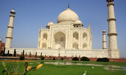 The Taj Mahal, yellowed by smog, is getting a restorative mud mask
