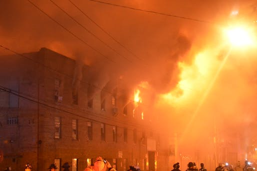 Chicago warehouse fire. Image: Arvell Dorsey Jr/Flickr