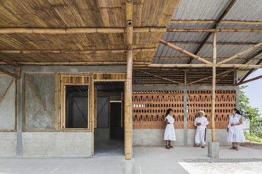 SOCIAL HOUSING PRODUCTION II by Comunal Taller de Arquitectura. Image © Onnis Luque