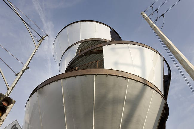 Samitaur Tower by Eric Owen Moss Architects. Photo: Tom Bonner Photography.