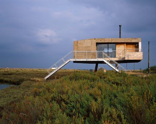 Redshank by Lisa Shell Architects Ltd with Marcus Taylor - St Osyth, Essex, England. Photo: Hélène Binet