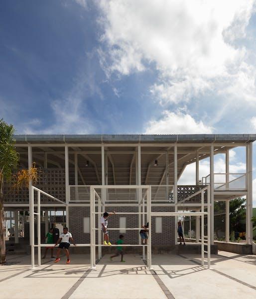 Rozana Montiel, Rozana Montiel Estudio de Arquitectura, Veracruz Cancha, Mexico.