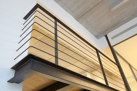 Cantilevered gallery
