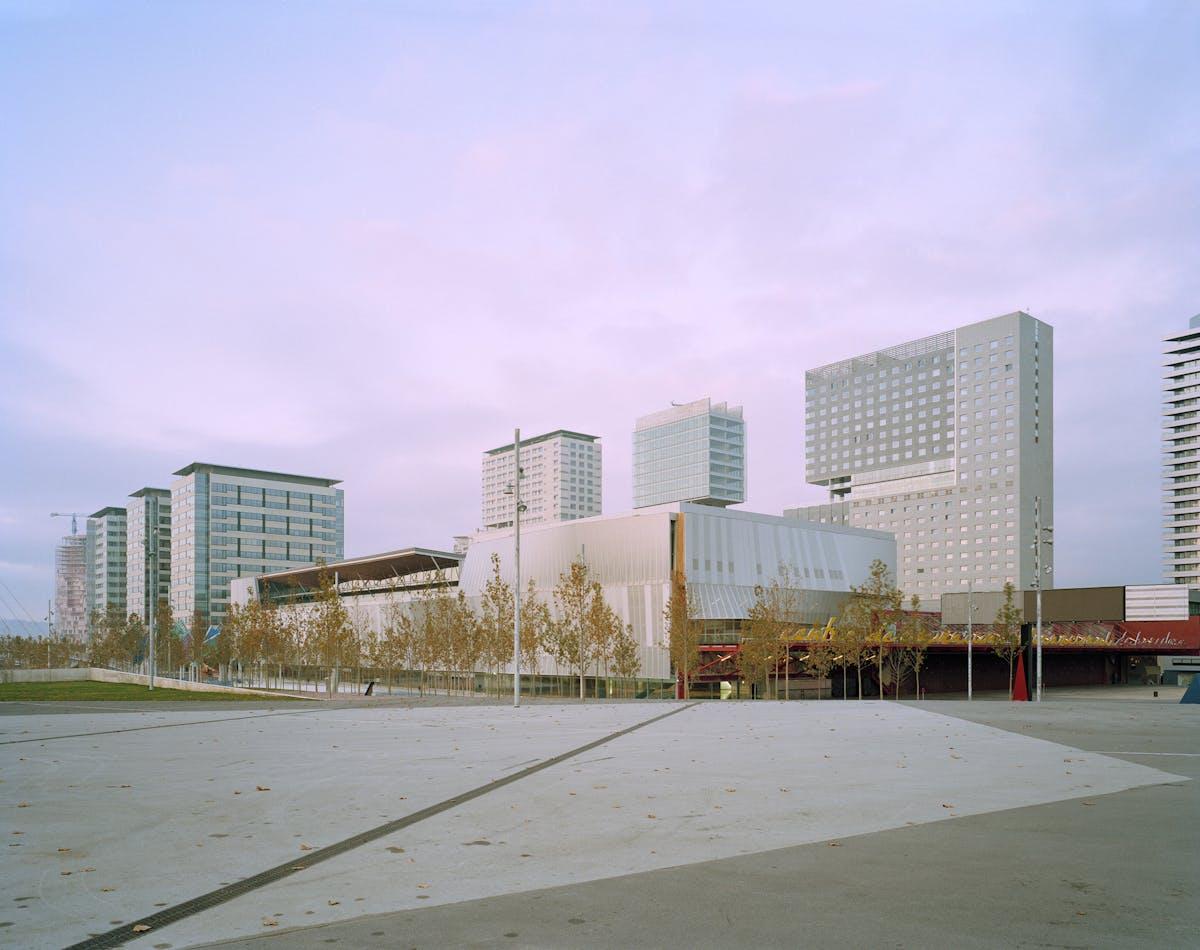 Ccib barcelona conference centre mateo arquitectura - Trade center sant cugat ...