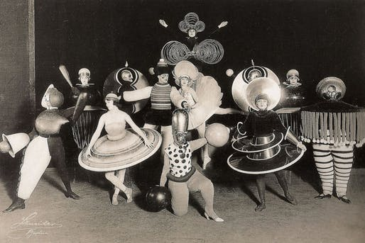 Performers in the Triadisches ballet produced by Oskar Schlemmer. Credit: Oskar Schlemmer; Bauhaus-Archiv.