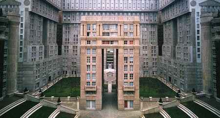 Les Espaces D'Abraxas. Photo courtesy of Ricardo Bofill Taller de Arquitectura.