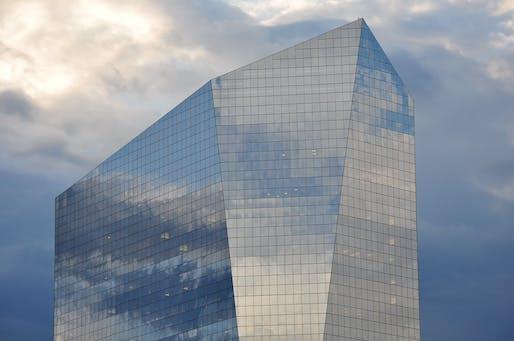 Circa Centre designed by César Pelli. Image © Peter Miller