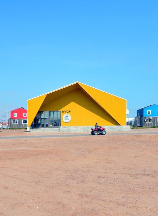 Blouin Orzes architectes - Katittavik Multidisciplinary Hall, Northern Village of Kuujjuaraapik, Nunavik, Quebec. 2018. Courtesy Blouin Orzes architectes.