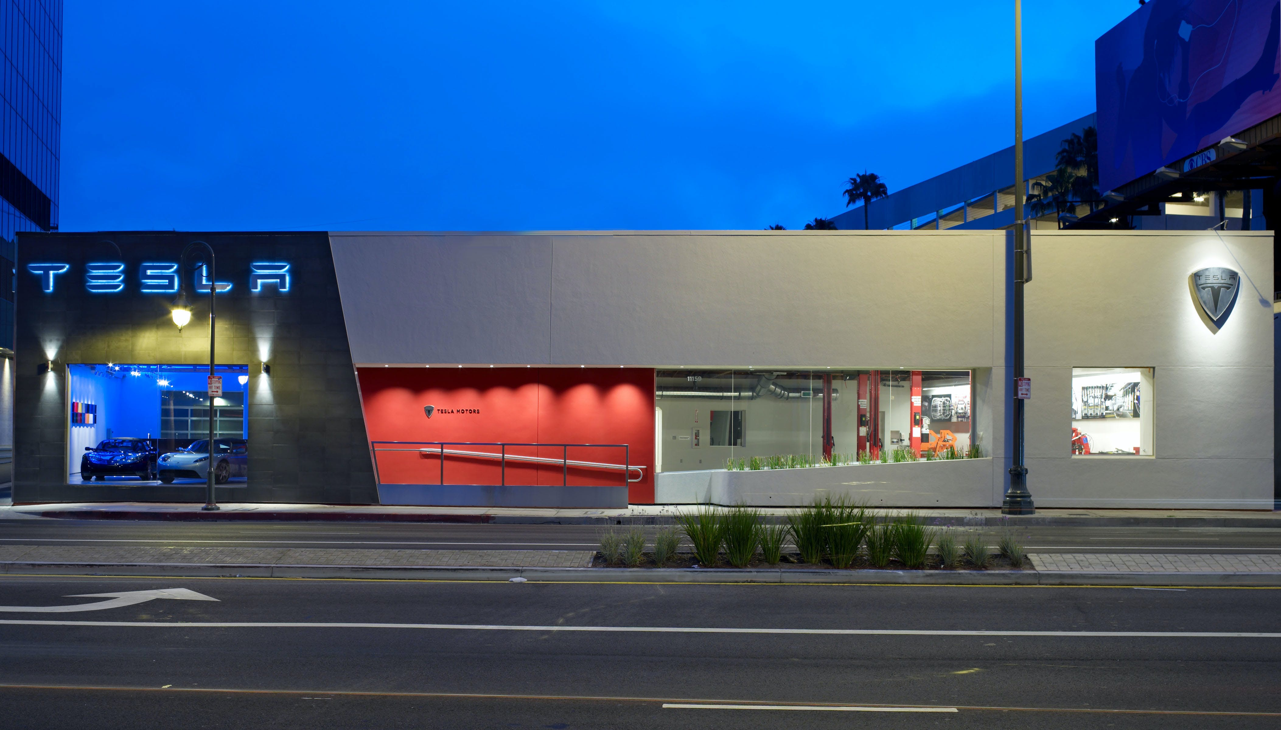 Tesla Showroom Ccs Architecture Archinect