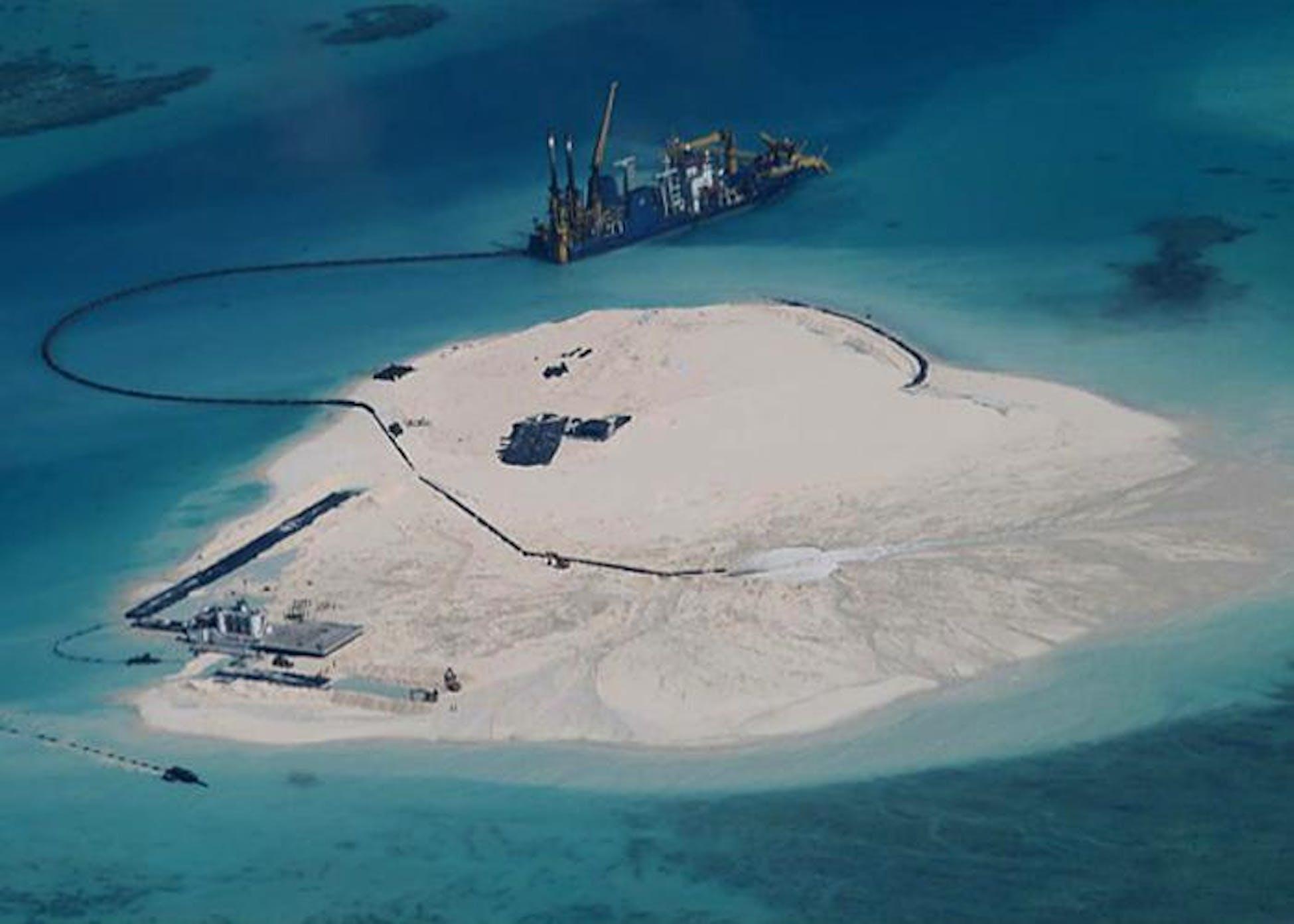 На работает haiyang 981 парасельских участке shiyou островов близ спорном