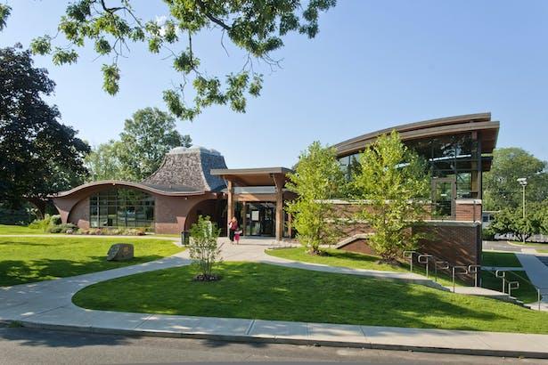 Byram Shubert Library / Peter Gisolfi Associates