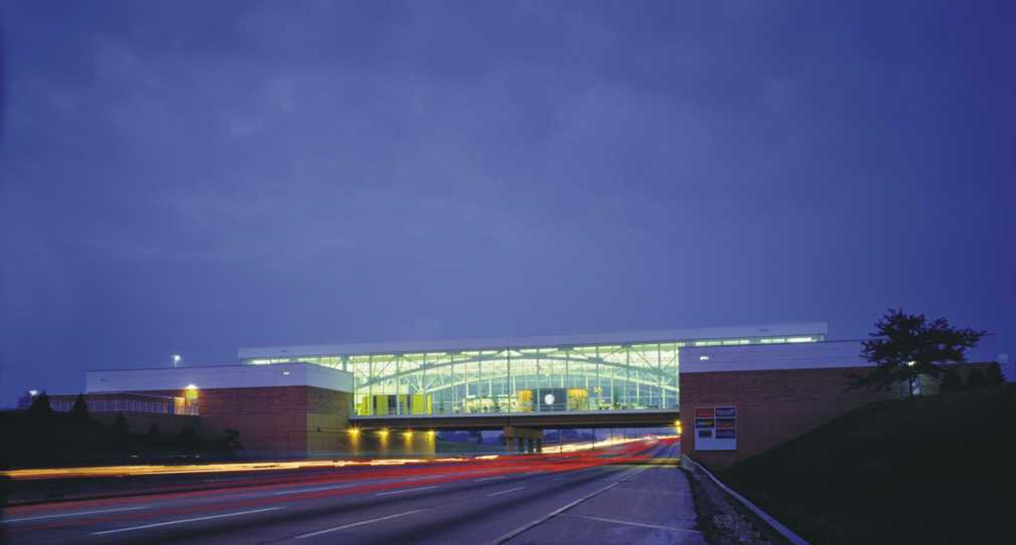 Freeway Auto Center >> I-294 Tollway Oasis Travel Pavilions   Cordogan Clark & Associates   Archinect