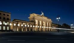8,000 Glowing Balloons Recreate the Berlin Wall