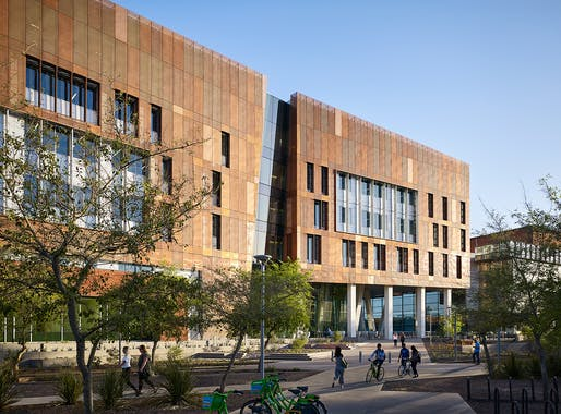 COTE LA AWARD - HONOR: ZGF Architects, Arizona State University, Biodesign Institute C, Tempe, AZ. Photo: Hall+Merrick Photographers.