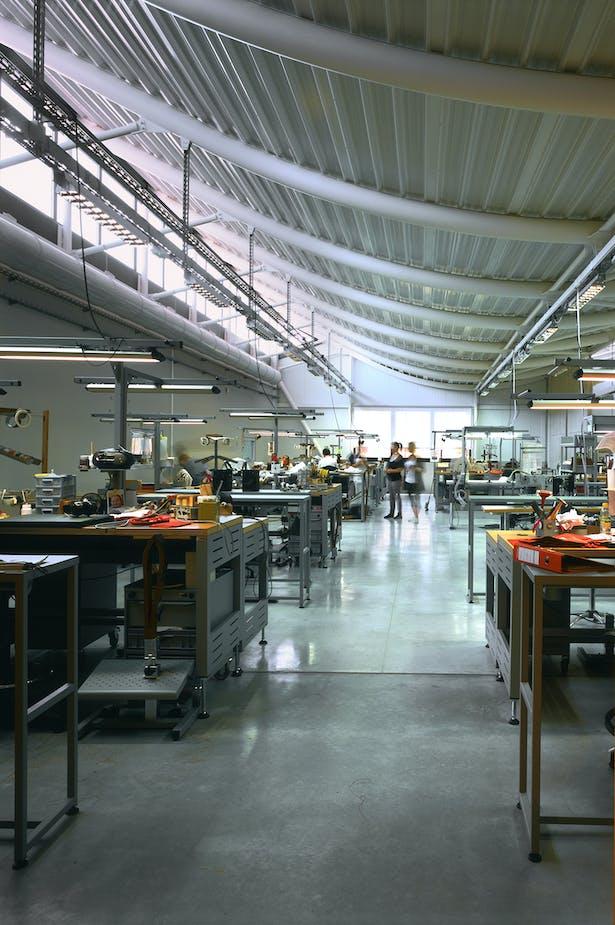 JFS_Jean Francois SCHMIT architectes_maroquinerie Iseroise_interior atelier 3