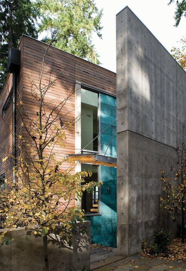 Hansen Road House entryway
