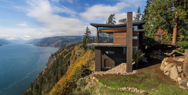 Cliff House with Quantum Windows & Doors