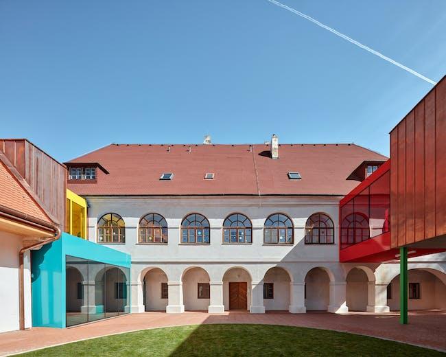 Elementary School Vřesovice Reconstruction of Baroque Rectory by Public Atelier | Photo by BoysPlayNice