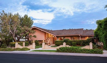 The Brady Bunch home gets its own HGTV makeover show