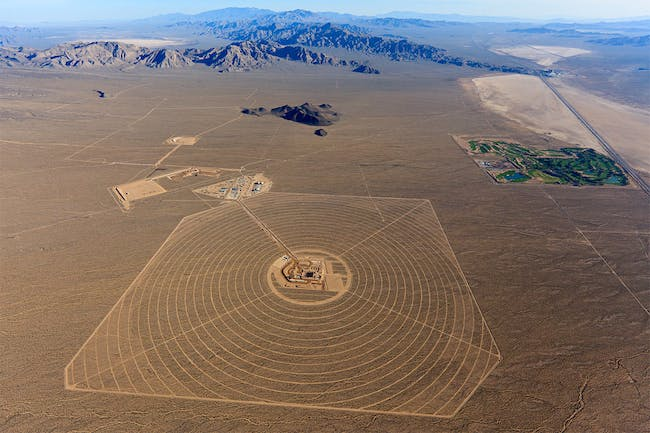 Aerial Overview of the ISEGS Unit 1 Solar Field (Image: BrightSource Energy)