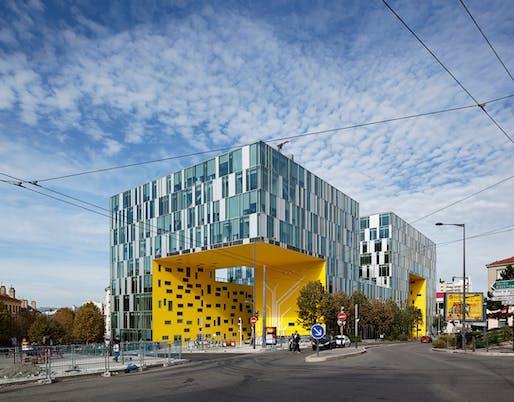 """""""Cité des Affaires"""" office building in Saint-Etienne, France, 2010. Photo: Vincent Fillon."""