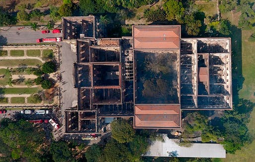 Aerial view of the National Museum in Rio de Janeiro after the fire. Image: Fabio Motta/Estado Contuedo, Agencia Estado/AP Images.