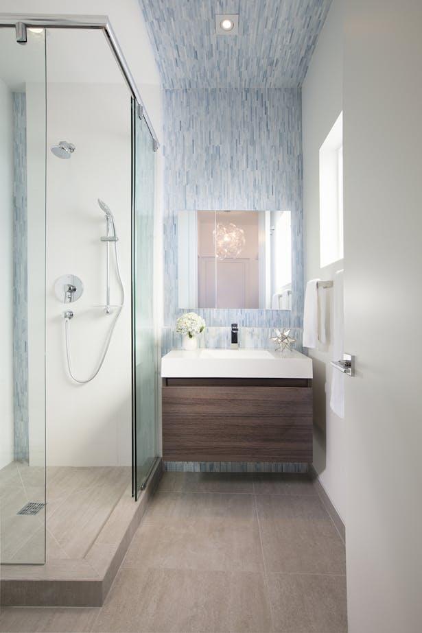 Girls bathroom - Residential Interior Design Project in Aventura, Florida