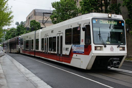 Photo showing a TriMet light rail train. Image courtesy of Wikimedia user Musashi1600.
