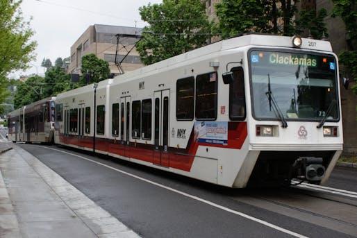 Photo showing a TriMet light rail train. Image courtesy of Wikimedia user Musashi1600.