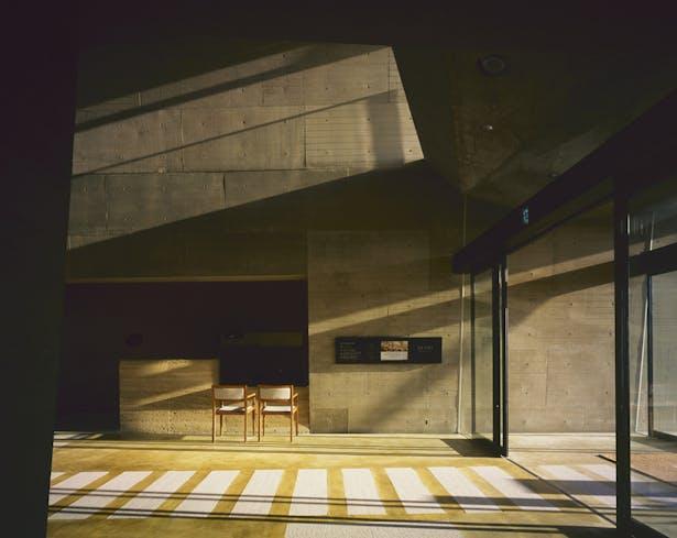 1F - Lobby - Reception