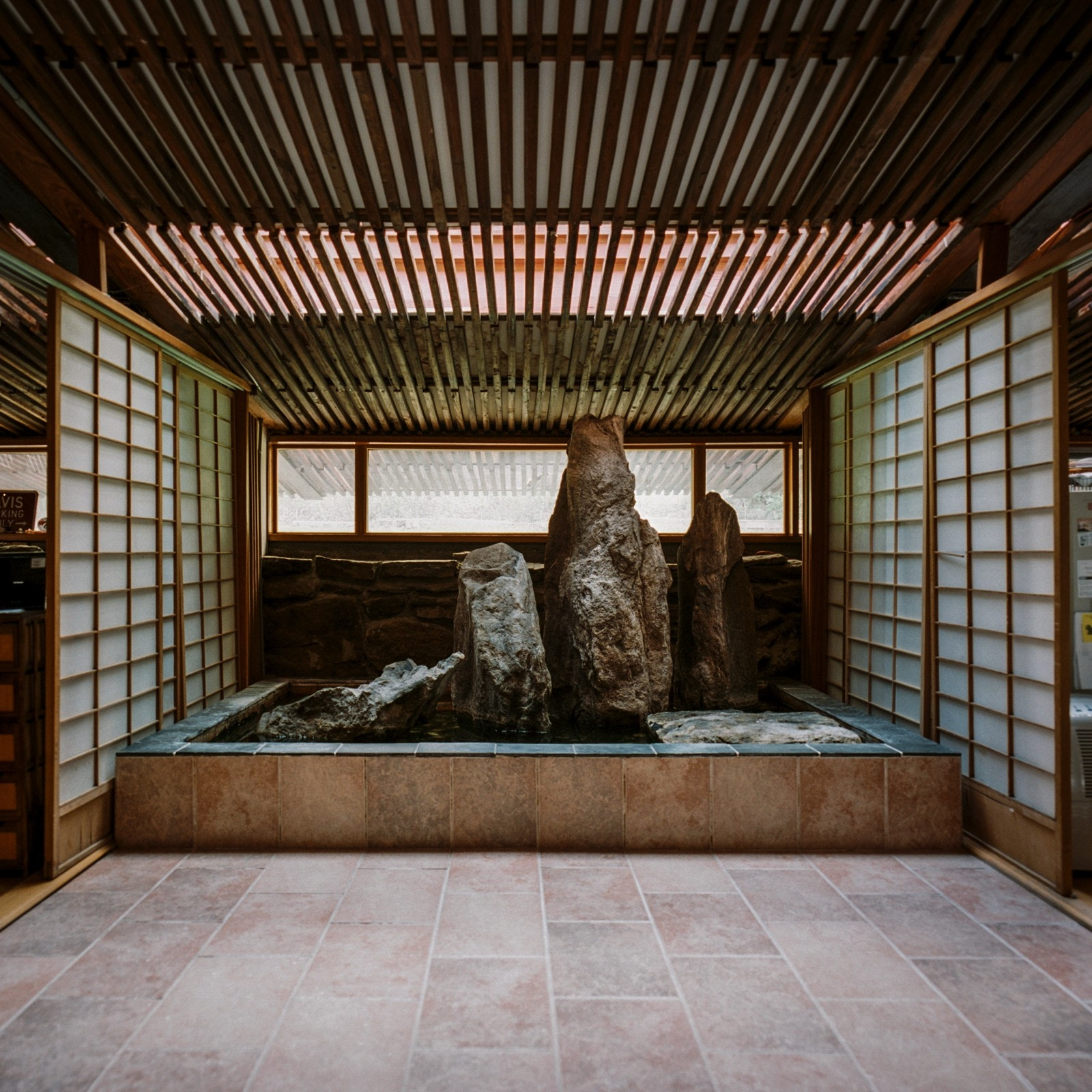 Siegal house designed by kaneji domoto photo thad russell