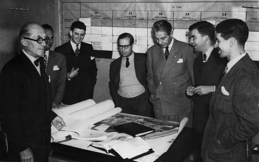 Photograph of Le Corbusier, Josep Lluis Sert, Paul Lester Wiener, Carlos Arbeláez and Francisco Pizano in the Office of the Regulatory Plan in Bogotá, published in Cromos magazine, Bogotá, September 9, 1950. Image courtesy of bogotavisible.com