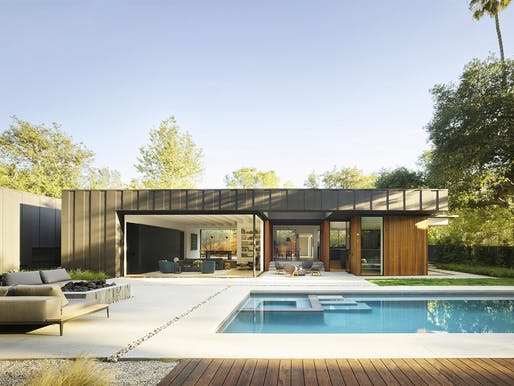 Laurel Hills Residence in Studio City, CA by Assembledge+; Landscape: Fiore Landscape Design; Photo: Matthew Millman