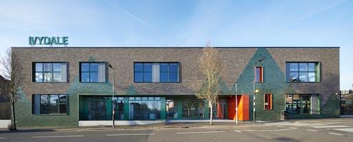 Ivydale Primary School; designed by Hawkins/Brown. Photo Credit: Jack Hobhouse.